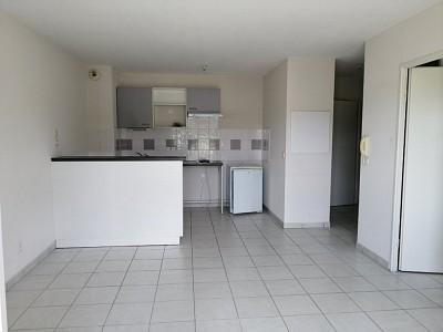 APPARTEMENT T2 A VENDRE - LANGON - 41,6 m2 - 81000 €