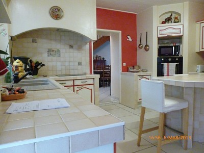 MAISON A VENDRE - ST ESTEPHE - 198 m2 - 187055 €