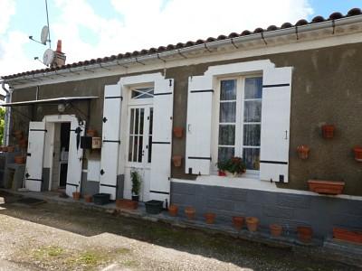Maison de plain pied A VENDRE - PODENSAC - 65 m2 - 138000 €