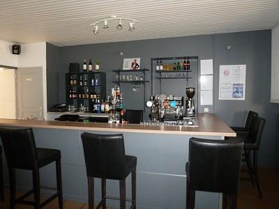 BAR BRASSERIE + APPT A VENDRE - LANGON - 220,79 m2 - 115000 €