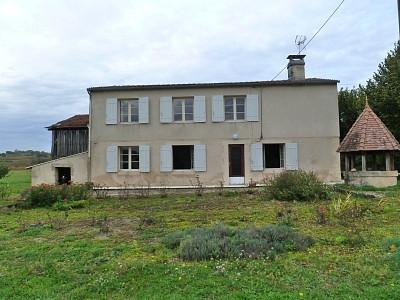 Maison avec dépendances sur un terrain 1062 m² A VENDRE - LANGON - 168 m2 - 210000 €