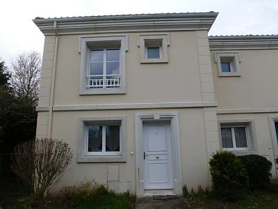 Maison Type 3 avec jardin et 2 places de parking A VENDRE - TOULENNE - 61 m2 - 130987 €