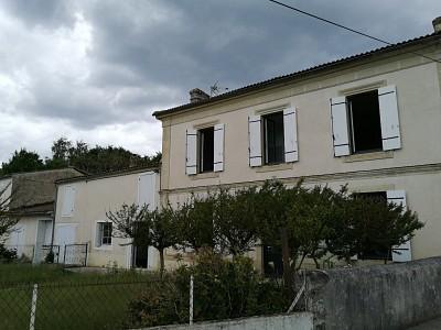 Maison de Maître avec garage et dépendances A VENDRE - LANGON - 161 m2 - 250000 €
