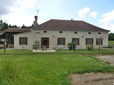 Ancienne ferme rénovée + 2 séchoirs sur 10 hect A VENDRE - LANGON - 150 m2 - 382000 €