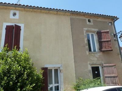 Maison T 5 avec jardinet A VENDRE - LA REOLE - 136 m2 - 129000 €