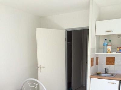 STUDIO A LOUER - BLANQUEFORT - 20 m2 - 490 € charges comprises par mois