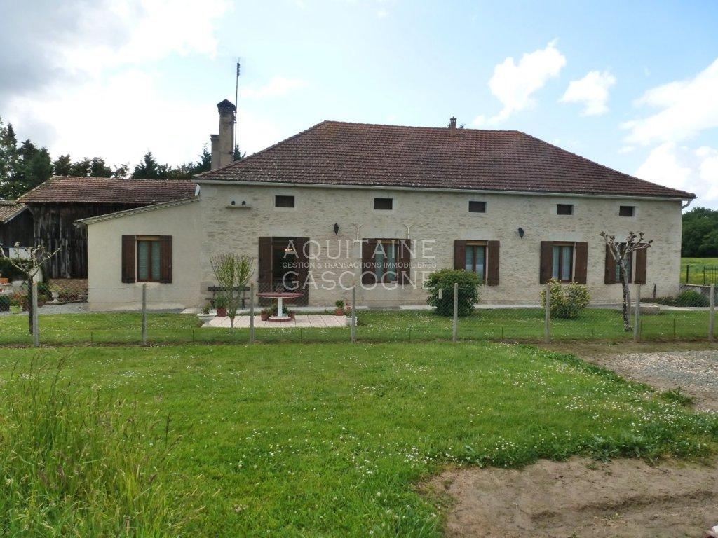 Ancienne ferme rénovée + 2 séchoirs sur 10 hect A VENDRE - LA REOLE - 150 m2 - 382000 €